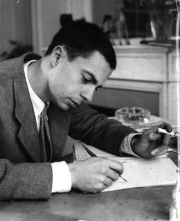 Claude Simon écrivant Le Tricheur - 1938. ©